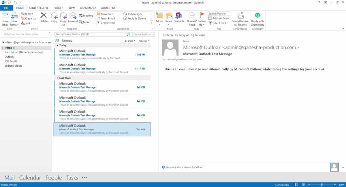 Microsoft Outlook 2013 interface.
