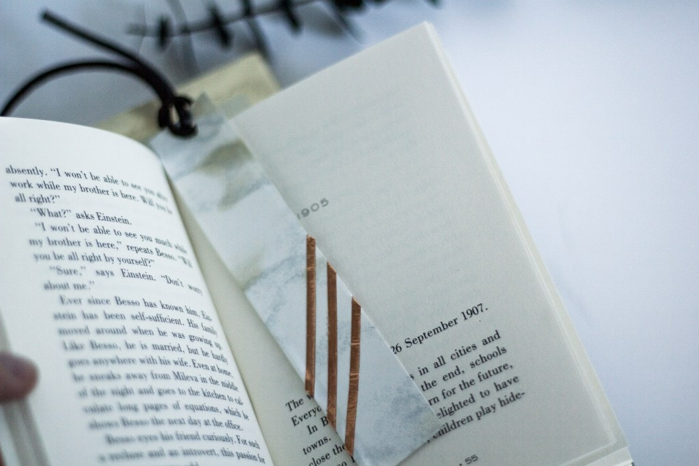 Picture of a bookmark.