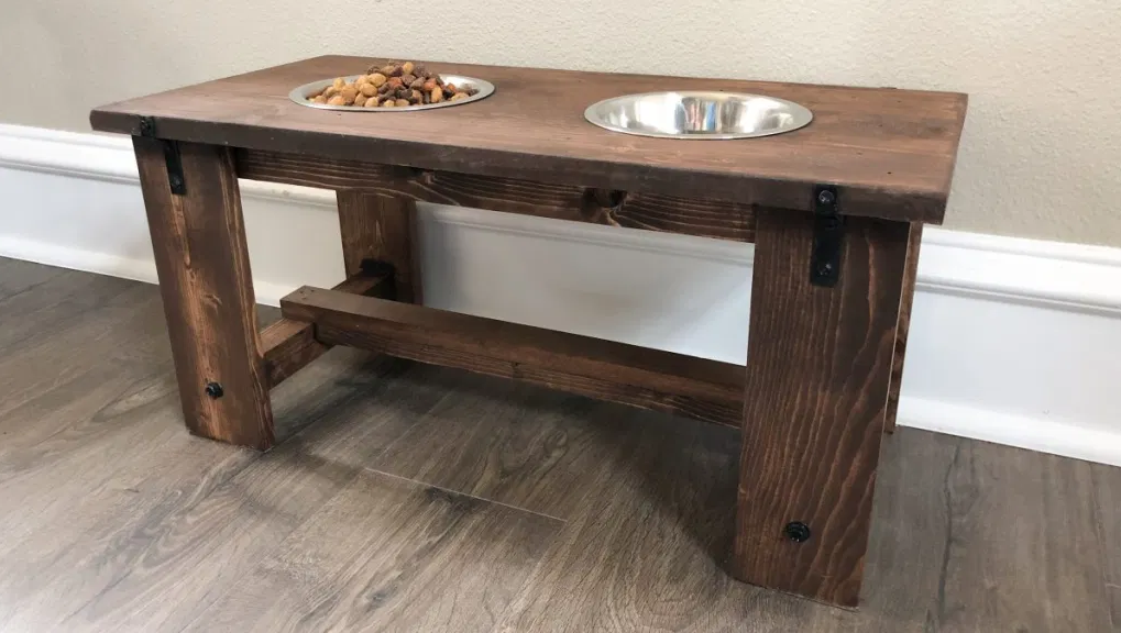 Picture of a bowl stand.